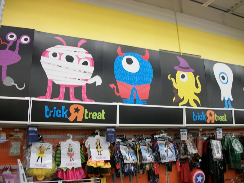 its too bad the yearly halloween mascots at toys r us are never really featured on their own merchandise since this years batch is especially charming - Halloween Toys R Us